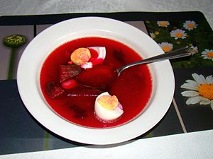 300px-08411_Beetroot_soup_with_vegetables_and_hard-boiled_eggs,_Sanok